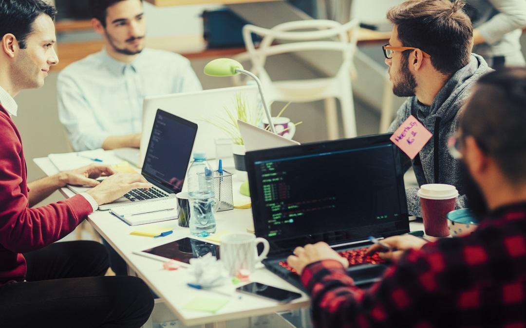 Qué beneficios brinda Oracle E-Business Suite a su negocio